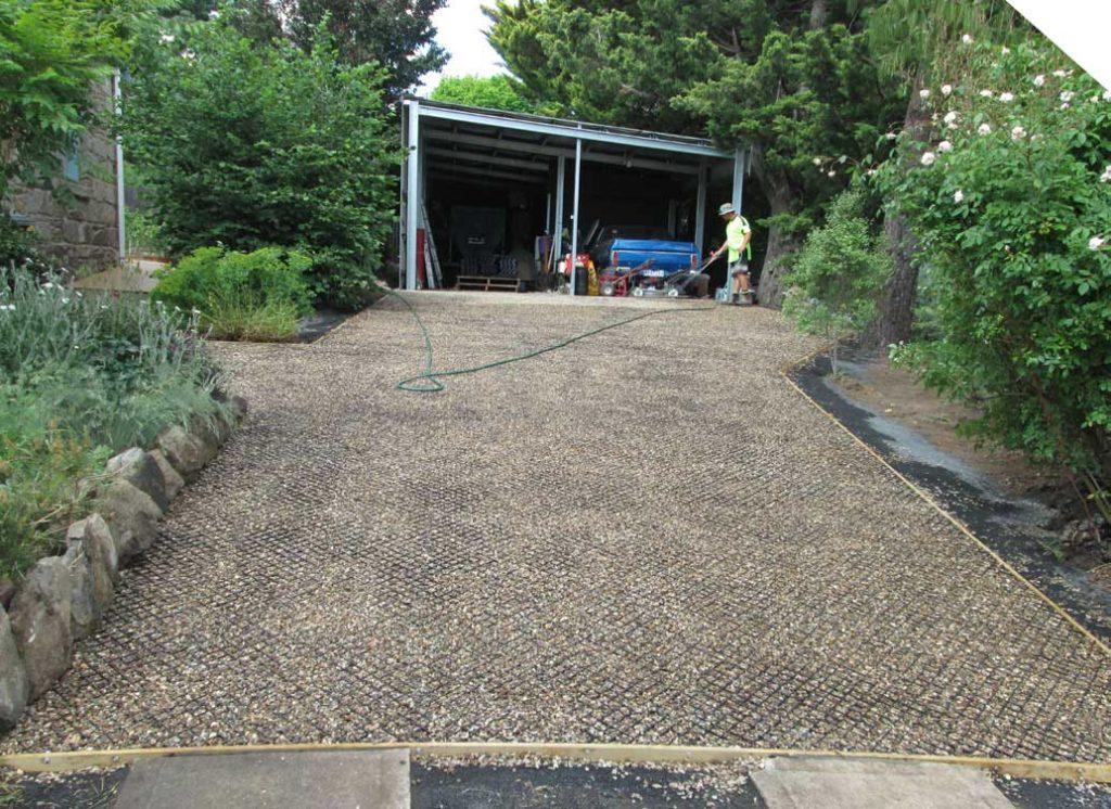 Diasmond Grid driveway being completed