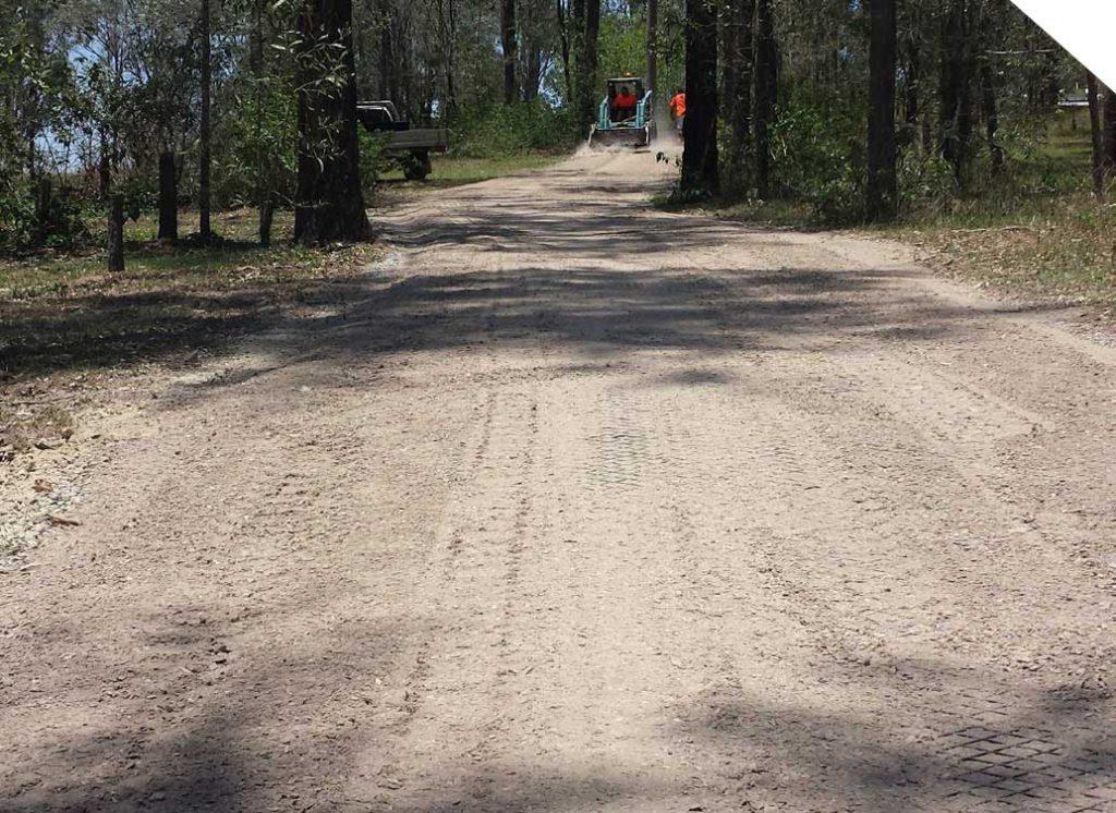 Diasmond Grid excavators preparing the road for laying diamond grid interlocking system